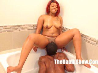 Pasarica eating bathtub lovin thickred bbc stretch: hd porno da