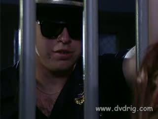 kayu hitam, menindik, penjara