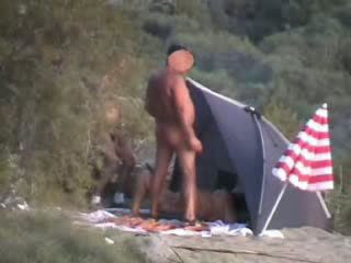Seks orgia juures camping video