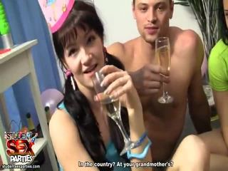 Murid seks parties hadiah kompilasi daripada filem