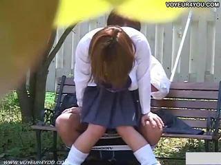 Two jaapani teismeline couples õues seks