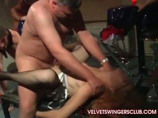 Velvet swingers klub couples trading partners v vroče.
