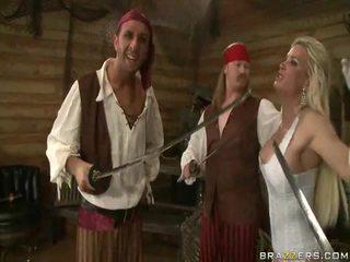 En kings wife down onto the pirates gigantisk kjøtt sword