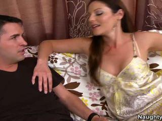 Smut матуся samantha ryan squeals на диван
