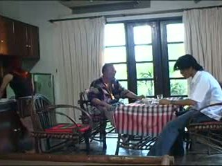 老+年輕, 泰國