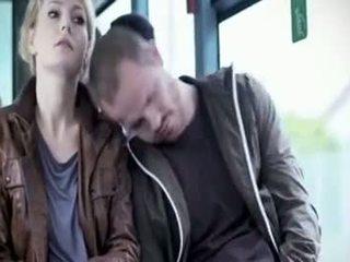 Martina hill - prohmakas käperdatud sisse buss