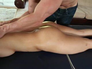 Σέξι bodied γυμνός ασιάτης/ισσα cutie sharon lee gets massaged