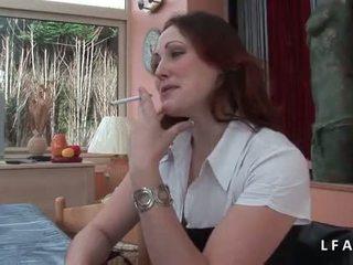 Jolie rousse francaise se fait defoncer le petit cul avant un bon फेशियल