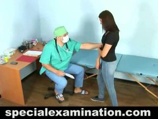 23 yo vika și excitat gynecologist