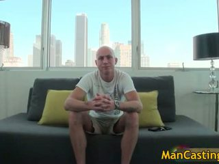Bald guy mathew gives forró leszopás