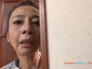 Dojrzała azjatyckie kobieta w a rzemeń sucks a chuj