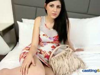 Amatőr tini hottie having szex mert pénz nál nél egy fake szereplőválogatás
