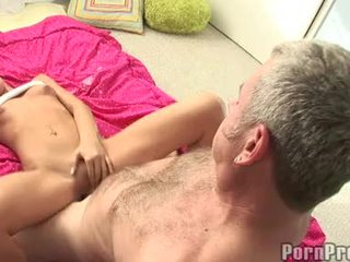 Lusty väike boobed tanner mayes getting tema bawdy cleft cracked poolt a monster jock