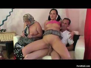 Babičky žena žena muž trojice