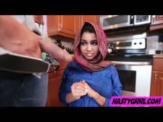 Hijab wearing muslim remaja ada creampied oleh beliau baru master