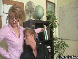 Office Lady Gets Stretched At The Table