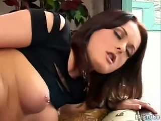 Melissa Lauren Shows Upskirt Before Masturbating xLx