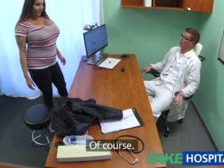 Fakehospital мадама wants doctorã¢â€â™s изпразване всички над тя голям огромен цици видео