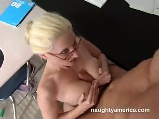 Big Breasted Bitch Gets Fucked Hard Vi...
