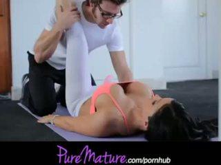 Puremature flexibel heet milf jewels jade training