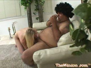 Aaliyah jolie essen ab ein klein schwanz von ein cubby chap