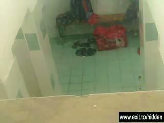 Vakker tenåring naken i locker rom video