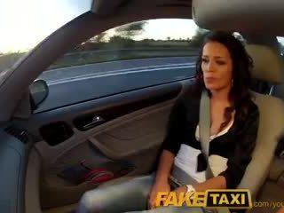 Faketaxi napalone adele tylko chcieć mój kutas w jej cipka