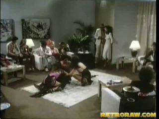 امرأة سمراء, الجنس المتشددين, مجموعة اللعنة