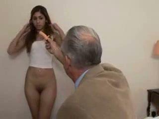 Dziadek fucks nastolatka dziewczyna