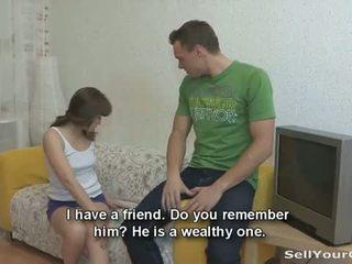 Ezt szegény főiskolás pár has nincs pénz hogy megvesz egy új tv készlet,