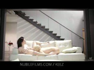 Aiden ashley - nubile filmagens - lésbica lovers partilhar doce cona juices