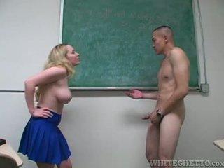 Aiden starr takes nega od 2 perverts v ji šola učilnica