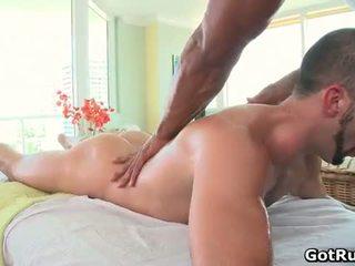Muscular bald hunk masāža dude tad