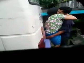 Myanmar spy cẩm cặp vợ chồng