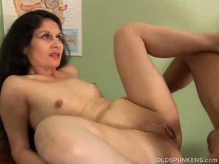 Άτακτος/η λατίνα μητέρα που θα ήθελα να γαμήσω loves να γαμώ και χύσιμο στο πρόσωπο cumshots