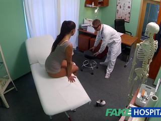 Fakehospital murdar milf sex addict gets inpulit de the medic