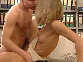 Jerman sangat seksi kantor seks. cantik hottie
