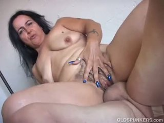 Naughty mature babe is a super hot fuck
