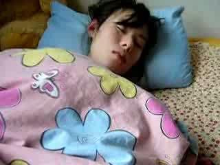 Κοιμώμενος/η σύζυγος μαλλιαρό μουνί gets fingered βίντεο