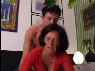 Giving vecmāmiņa a labs grūti dicking !
