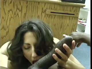 Asian-pakistani bruneta sucks mare negru dravidian penis