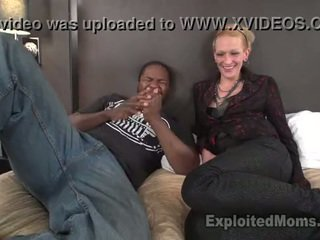 Schlank mutter gets pounded von mandingo