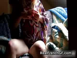 Bigtit francese fidanzata fingers e tastes suo