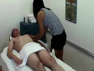 Asian masseuse rubbing her clientand cant get enough