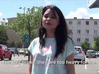 セクシー ホット ルーマニア語 rides とともに a stranger