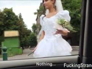 Dumped bruid amirah adara ends omhoog geneukt in de publc