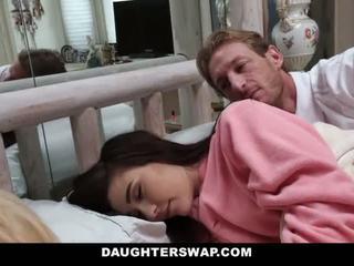 Daughterswap - daughters perses jooksul sleepover