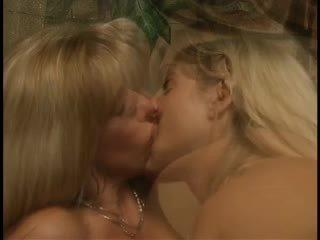 corridas, lesbianas, tríos