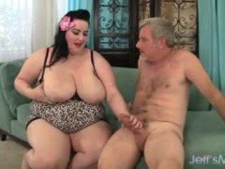 श्यामला, बड़े स्तन, bbw