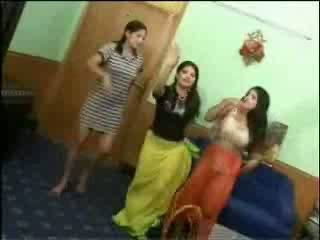 Nackt arab mädchen video